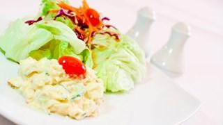 Coleslaw med egg