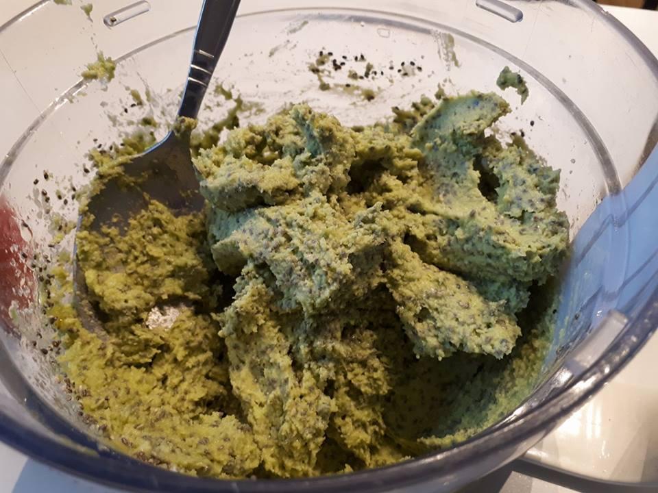 3 linns avokadobrød med chia sunt brød uten mel lakarbobrød avocado oppskrift ketose diett lavkarbo diett paleo steinalderkosthold.jpg